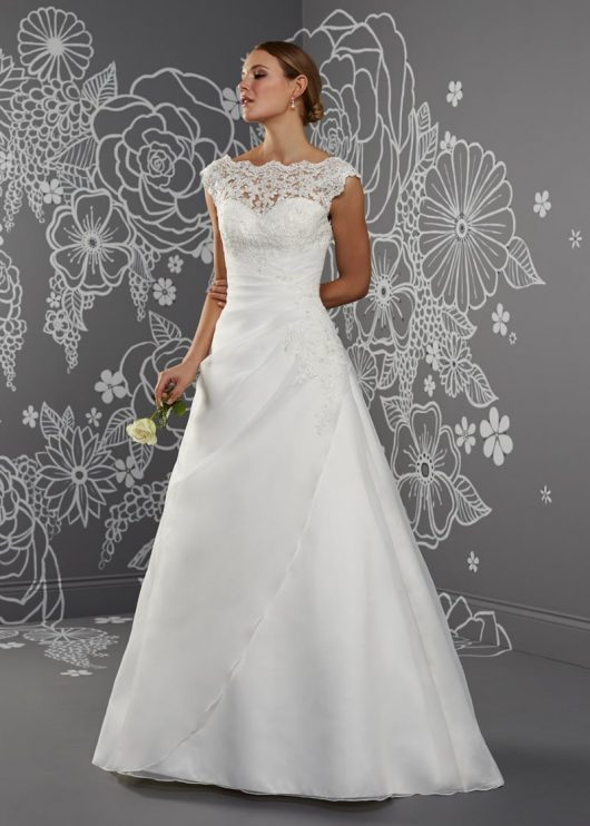 Romantica Emma Ivory Size 22
